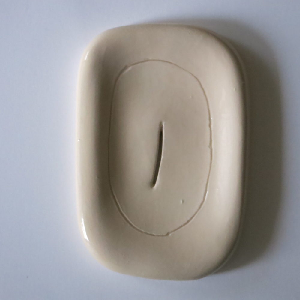 ceramic soapdish female cut