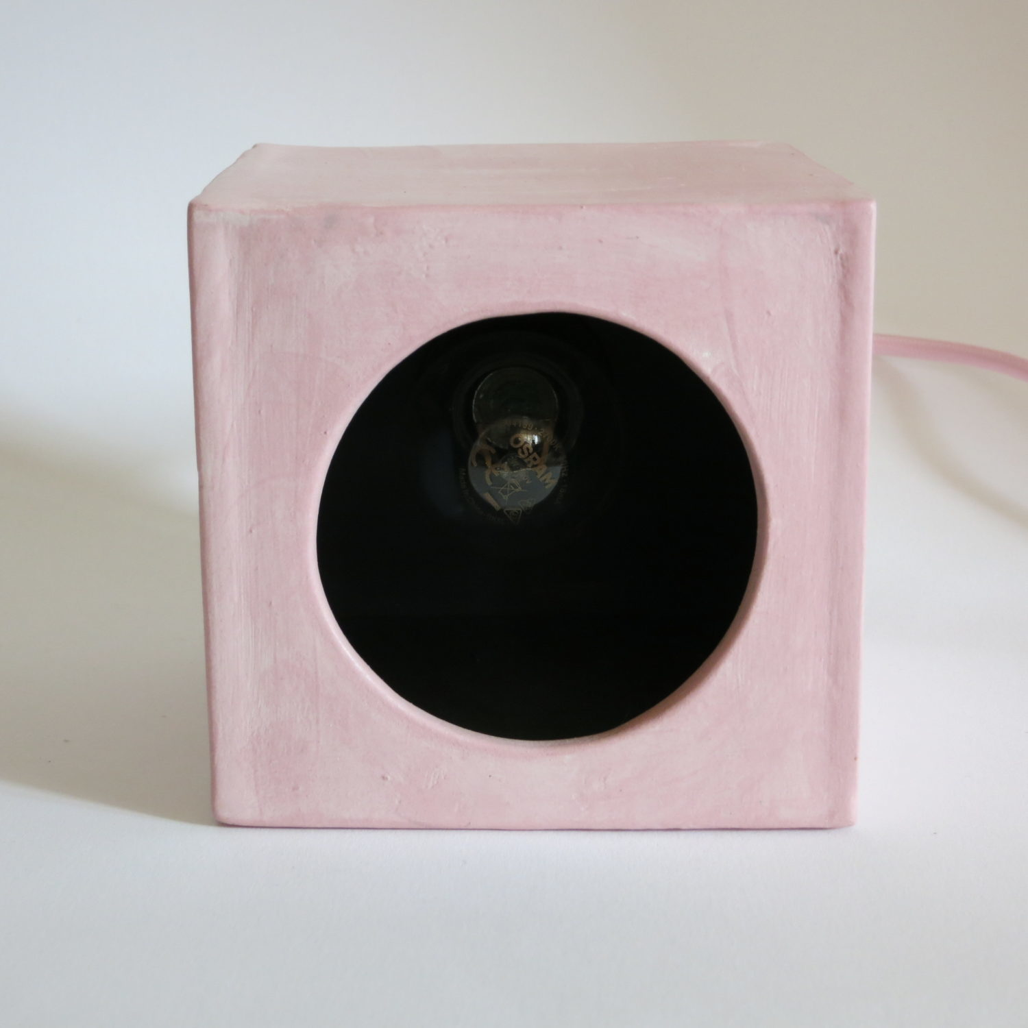 Pink hole lamp off